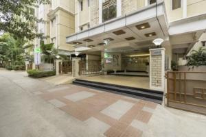 treebo-tara-residency-hyderabad-external-facade-65878667883g